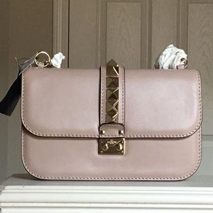 VALENTINO Medium Glam Lock Rockstud Flap Poudre